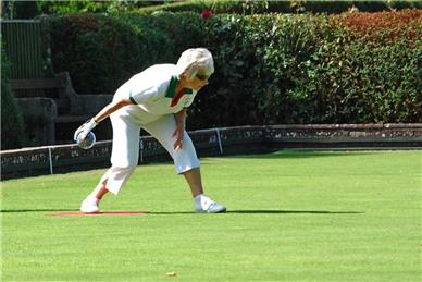 Sonia Moore delivers a winning shot - No luck for Janet & Sonia